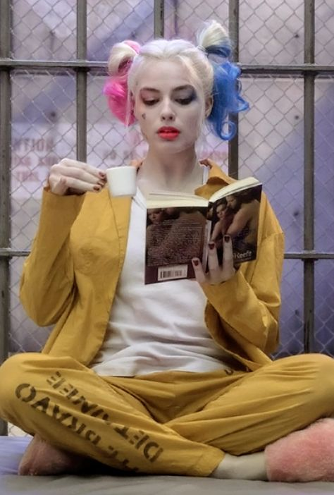 Harley Quinn in new Suicide Squad HQ stills