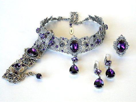 Lila Swarovski Crystal Choker Gothic Choker von LeBoudoirNoir
