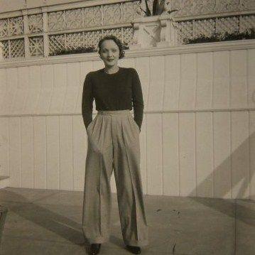giantpantsofthe30s:    Marlene Dietrich, 1932