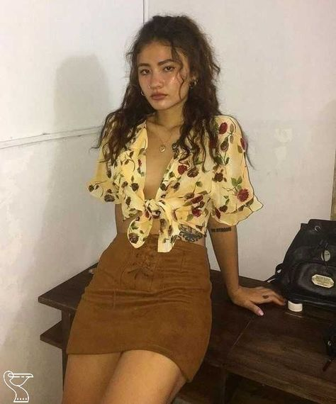 99 Elegant Fall Outfits Ideas For Holiday In 2019 Outfits 2019 Outfits casual Outfits for moms Outfits for school Outfits women Mode Outfits, Trendy Outfits, Fall Outfits, Summer Outfits, Casual Party Outfits, Holiday Outfits, Sexy Party Outfit, 90s Outfit, Grunge Outfits