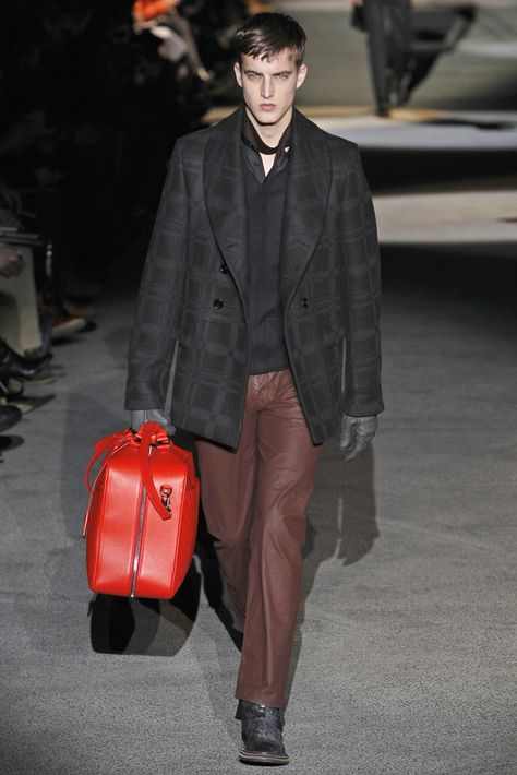 Hasil gambar untuk Louis Vuitton Fall 2011 Menswear