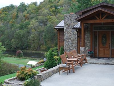 Vacation Rental On The New River, Pet Friendly
