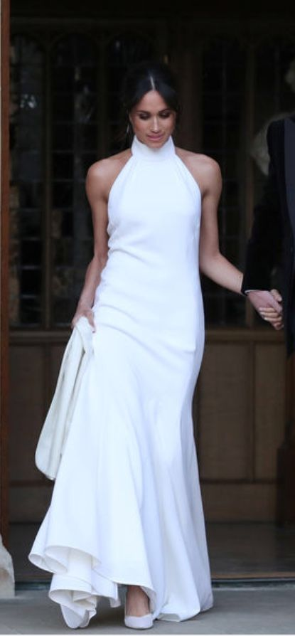 Pin By Anna Bury On 22 Mode White Meghan Markle Wedding Dress Ceremony Dresses Meghan Markle Dress