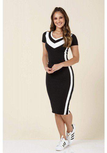 b8d9b5fb9394 modelo cabelo castanho vestido preto com listras brancas ...