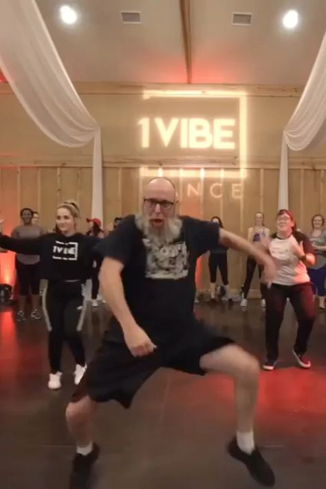 Viral Video of Man Dancing to Post Malone's Wow