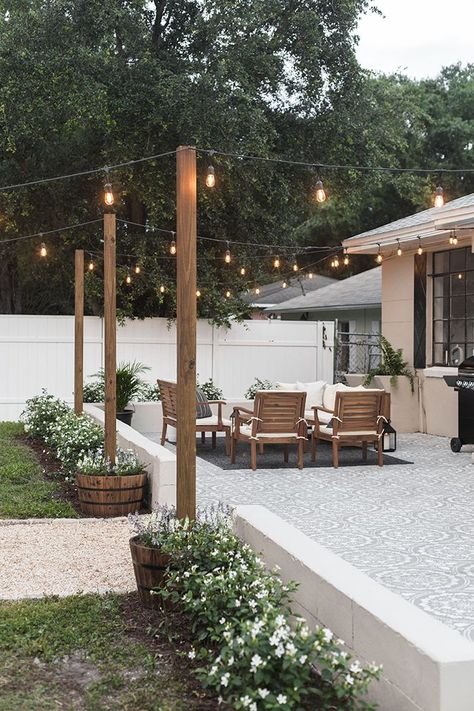 Backyard Makeover Reveal: Riverside Retreat Decoration Ideas Instead of Small Te . - Backyard Makeover Reveal: Riverside Retreat Decoration ideas instead of small terraces Honorable - Backyard Patio Designs, Landscaping Design, Backyard Seating, Deck Patio, Patio Table, Backyard Cafe, Small Patio Design, Backyard Porch Ideas, Simple Backyard Ideas