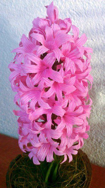 Re Kwiaty Z Krepiny Zdjecia Na Fotoforum Gazeta Pl Paper Flowers Paper Origami Flowers Origami Flowers