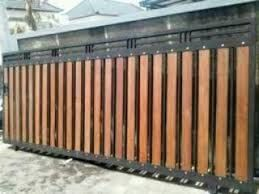 10 Gambar Pagar Besi Minimalis Kombinasi Woodplank Dengan Gambar