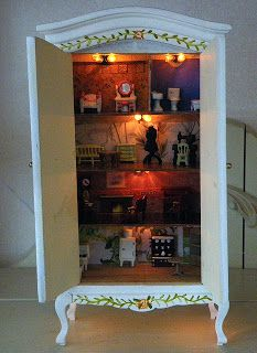 Tarja's Crafts: dollhouse with working