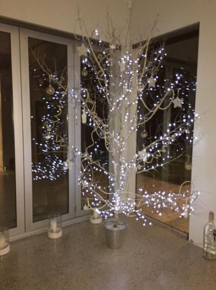 Painting Tree With Snow 39 Super Ideas Twig Christmas Tree Diy Christmas Tree Christmas Diy
