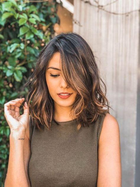 35 belles coiffures pour cheveux mi-longs en 2019