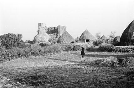 صور نادره من تهامة العام 1945ـ 1947 م منتديات جازان In 2021 Natural Landmarks Monument Valley Rare Pictures