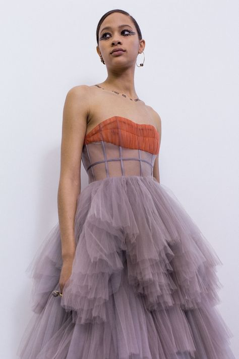 planning to be a lil more covered than this Haute Couture Style, Couture Mode, Couture Fashion, Runway Fashion, High Fashion, Fashion Show, Fashion Design, Christian Dior Couture, Christian Dior Dress