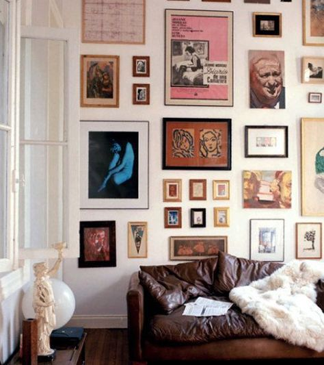 a gallery wall - for my new room in BK! Classic Interior, Home Interior, Interior Livingroom, Interior Modern, Interior Architecture, Japan Interior, Interior Shop, Interior Colors, Scandinavian Interior