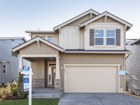 The Beautiful Cypress Offers A Desirable Spacious Two Story Home That Is An Entertainer S Dream An Invit Porch And Foyer New House Plans New Home Construction