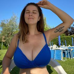 Mady Gio Lagodicomo Madalina Natura Mady Lago Como Martedi Estate2020 Beautybeyondsize Nomakeup In 2020 Swimwear In This Moment Bikinis