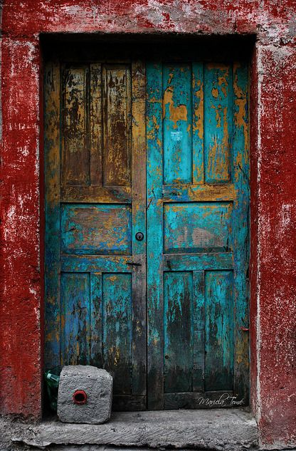 Abriendo Puertas San Miguel De Allende By Mariela Tome Rustic Doors Vintage Doors Light Background Images