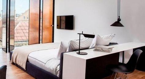 Chambre Hotel Sense Sofia Bureau Derriere Lit Desk Behind Bed