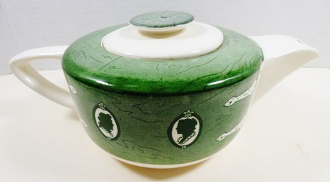 VTG by Royal China Colonial Homestead green teapot with lid