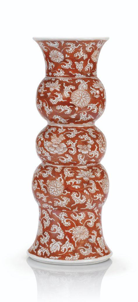Vase triple-gourde en porcelaine émaillée en rouge-de-fer Dynastie Qing, époque Kangxi (1662-1722)