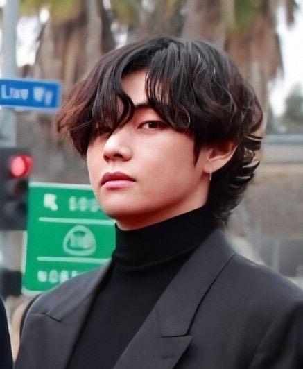 Taehyung In 2020 V Hair Bts Curly Hair Styles V Hair