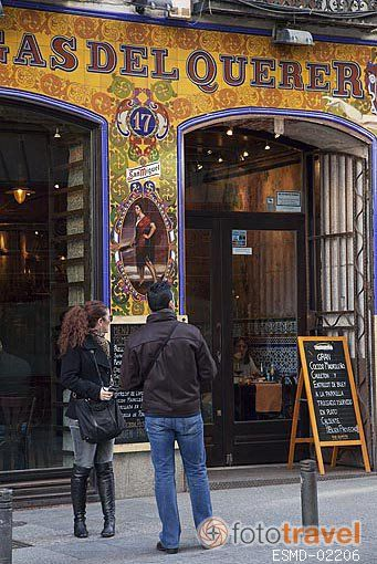 Restaurante bar Fatigas del Querer. Calle de la Cruz. Zona de Huertas. Madrid capital. España