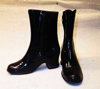 Pin på Vintage rubber boots and rainwear