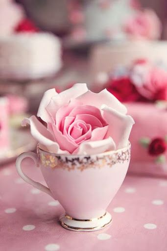 pink dainty- love the glitter on the tea cup edge