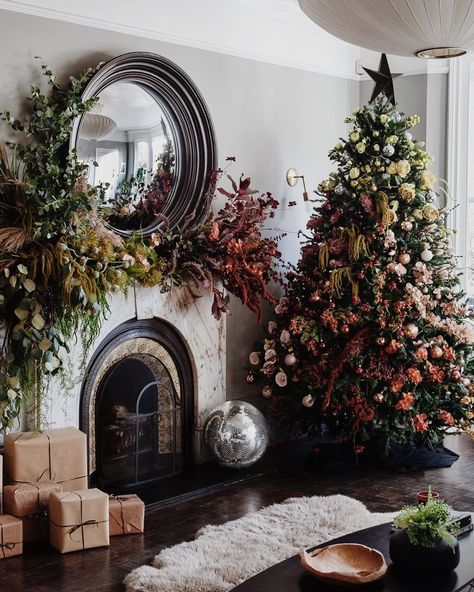 Wishing You A Merry Holiday & Happy New Year. - coco kelley floral christmas tree and fireplace mantel installation from hello flora Christmas Tree And Fireplace, Christmas Mantels, Christmas Tree Themes, Christmas Wreaths, Fireplace Mantel Christmas Decorations, Country Christmas Trees, Christmas Villages, Holiday Decorations, Christmas Ideas
