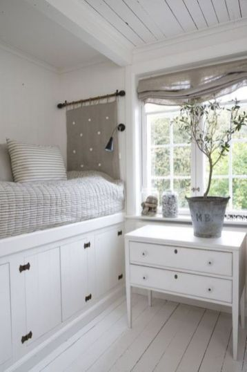 76 Creative Under Bed Storage Ideas For Bedrooms Besideroom Co Small Bedroom Built In Bed Home