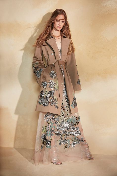 Feom what I can see of this dress I love the skirt!! and little bit of sheer to show some leg but still be covered - great for a vacation in Cocoa Beach! The Best Resort 2018 Looks: Peter Dundas Debuts 1st Collection for Resort
