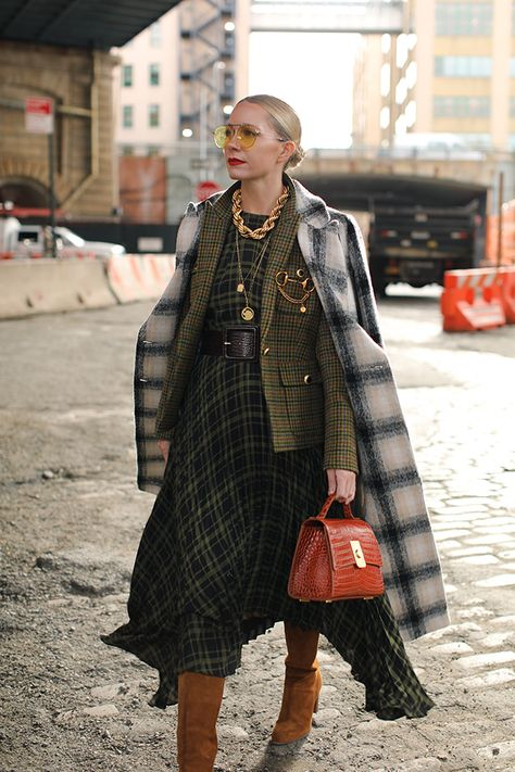 Veronica Beard Blazer Blair Eadie showcasing layering looks // Veronica . Read more The post Veronica Beard Blazer appeared first on How To Be Trendy. Look Fashion, Fashion Outfits, Fashion Trends, Fashion Coat, Nyc Fashion, Fashion Men, Atlantic Pacific, Layered Fashion, Inspiration Mode