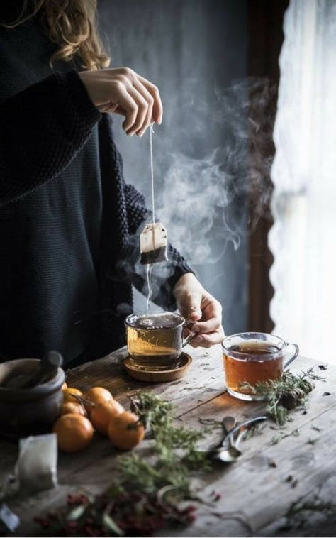 Una ciambella soffice che ha il sapore del profumato tè Earl grey e delle clementine, facile da rea Good Health Tips, Healthy Tips, Stay Healthy, Pause Café, Autumn Coffee, Natural Lifestyle, Turkish Coffee, Herbal Tea, Tea Time