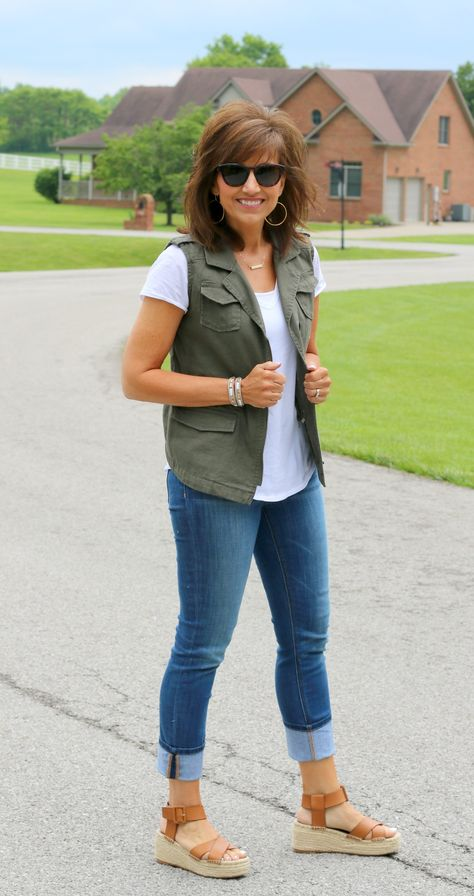 Our ladies vests and find elegant quilted gilets of highest quality, provided keep a person fashionably luke-warm on chilly days.
