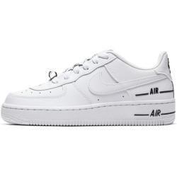 Shoes Sneakers Panosundaki Pin