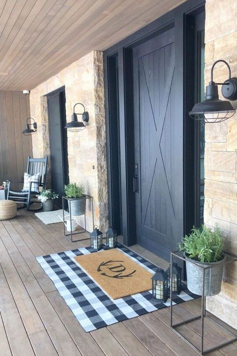 40 Modern Porch Decoraztion Ideas - Many new homes these days are designed with the contemporary style. A contemporary styled porch is usually created using simple clean lines with a bit. House Design, Farmhouse Decor, Farmhouse Diy, Farmhouse Porch, House Exterior, Rustic Farmhouse, Country Farmhouse Decor, Rustic Outdoor Decor, Rustic House