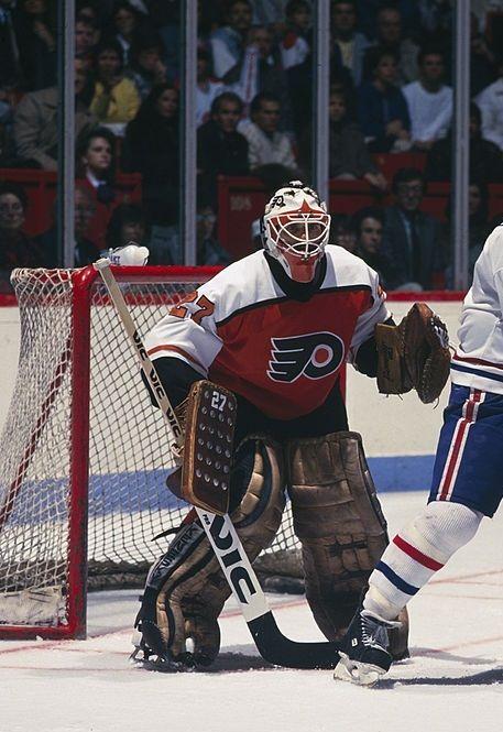 Pin By Drew Laden On Ice Hockey Flyers Hockey Hockey Goalie