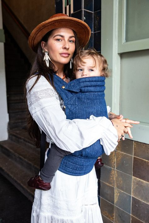 Welcome to Artipoppe the avantgarde babywearing design house bringing you the most beautiful baby carrier baby wrap and baby sling products on earth. Stylish Maternity, Maternity Fashion, Baby Ruth, Baby Baby, Baby Crib, My Bebe, Baby Driver, Baby Sling, Baby Girl Names