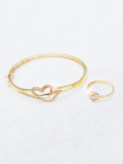 نصف طقم ذهب عيار 18 خاتم واسورة على شكل قلب Gold Jewelry Gold Bracelet