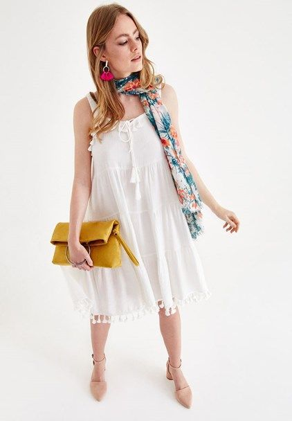 Krem Puskul Detayli Elbise Online Alisveris 18yox Novpusdress Oxxo Elbise Mankenler Elbise Modelleri