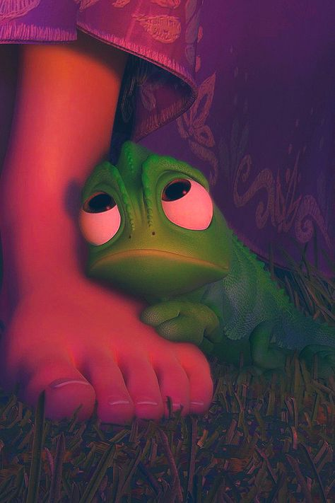 """Pascal is my FAV!!! it would b cool to have a """"frog"""" as a best friend"""