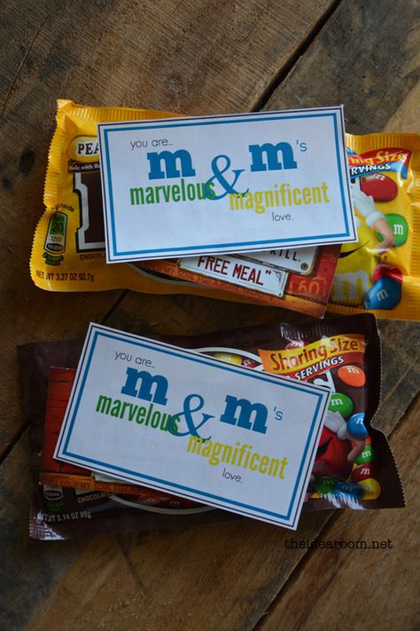 m&m printable gift tag