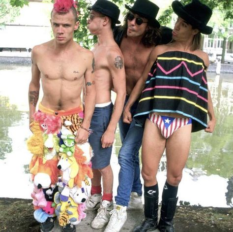 Red Hot Chili Peppers in 1989 : OldSchoolCool