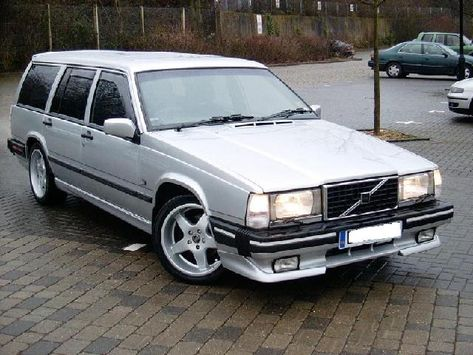 Volvo 740 Turbo Estate 1989 One Of The First Cars That I Can