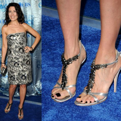 62a046b2511 27 Celebrities With Bunions | +++ | Bunion shoes, Bunion, Celebrity ...