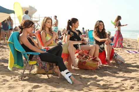"""90210 -- """"It's All Fun And Games"""" -- Image: NO503a_0026b – Pictured (L-R): Jessica Stroup as Silver, AnnaLynne McCord as Naomi, Jessica Lowndes as Adrianna, and Shenae Grimes as Annie -- Photo: Scott Humbert/The CW -- ©2012 The CW Network. All Rights Reserved."""