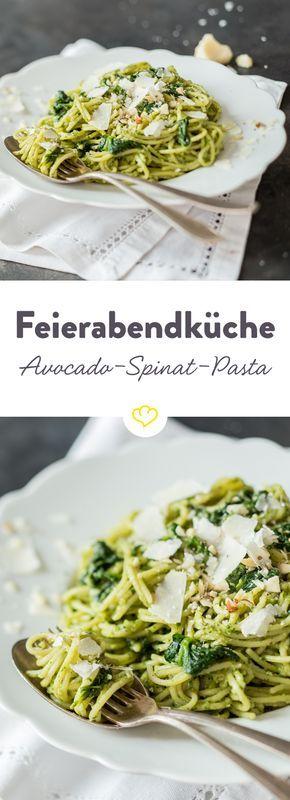 Die cremige Avocado-Spinat-Pasta ist unkompliziert und auch für