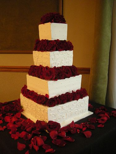 White buttercream cake with red roses (3) by Asweetdesign, via Flickr