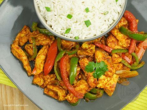 Chicken Jalfrezi Recipe One Of The Most Popular Chicken Curry Dishes In Pakistan Try Our Version You Will L Chicken Jalfrezi Recipe Pakistan Food Desi Food