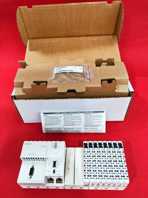 1PCS New Schneider 140DAO84000 In Box Fast Ship